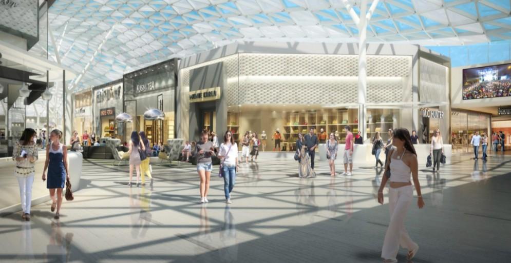 Gli interni del centro commerciale Le Gru