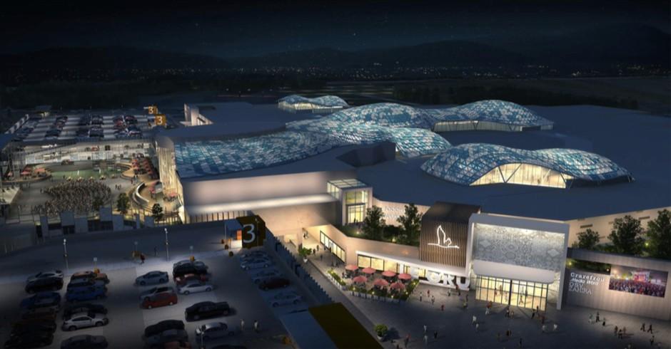 Il nuovo volto del centro commerciale Le Gru, di notte