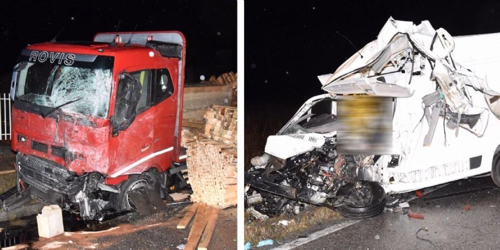 Camion e furgone si scontrano a San Daniele: c'è una vittima