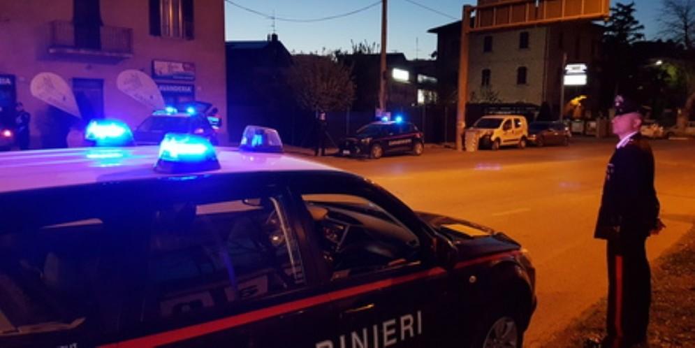 Tentato omicidio a Cossato, uomo ferito da coltellate multiple: è grave