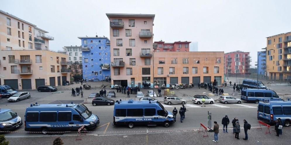Migrante ucciso all'ex Moi, parla Salvini: «Mercoledì incontrerò Appendino»