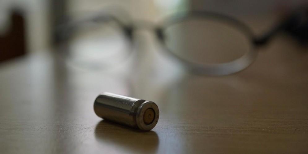 Torino, buste con proiettili al Prefetto, all'ex senatore Esposito e alle agenzie di stampa: indagini in corso (immagini archivio)