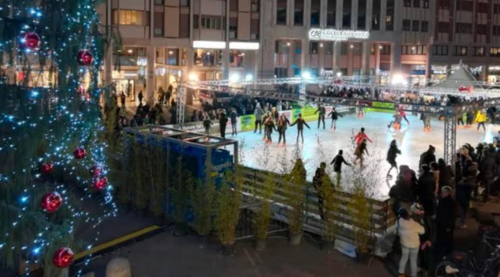 Prorogata fino al 27 gennaio l'apertura della pista di pattinaggio sul ghiaccio