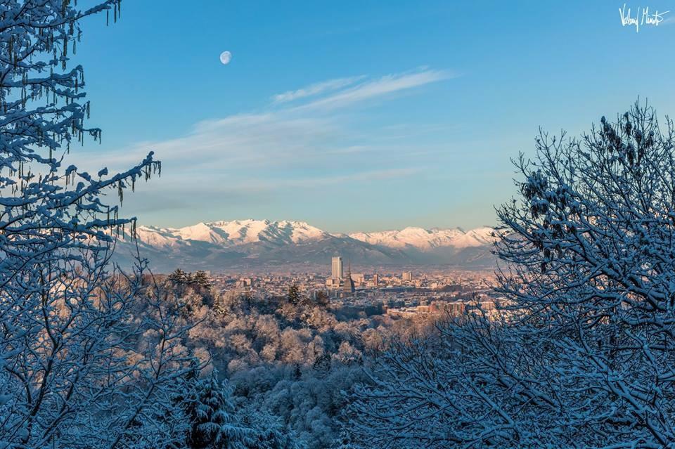 Il meraviglioso risveglio di Torino sotto la neve