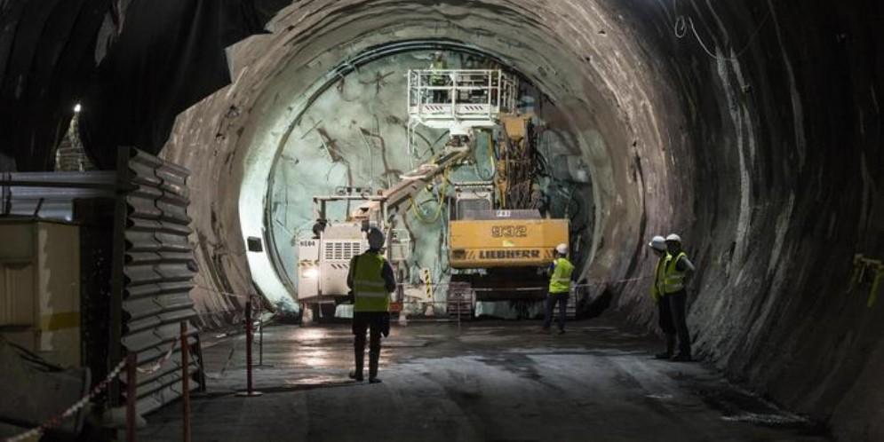 La Tav Torino-Lione va sospesa, è un progetto ormai «vecchio» ed «esorbitante»