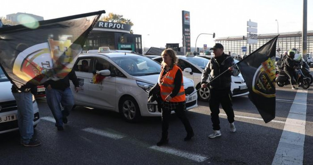 Sciopero dei taxisti spagnoli contro Uber
