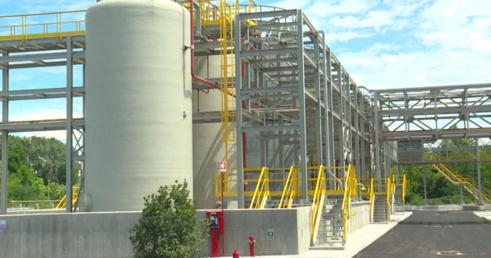 Sversamento di 5 cubi di cloro liquido dagli impianti della Halo Industry