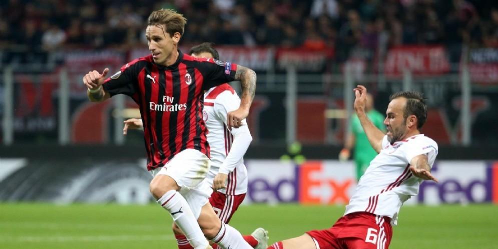 Lucas Biglia in azione con la maglia del Milan