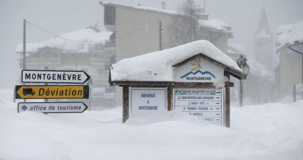 Migrante trovato senza vita al confine con la Francia: è morto assiderato