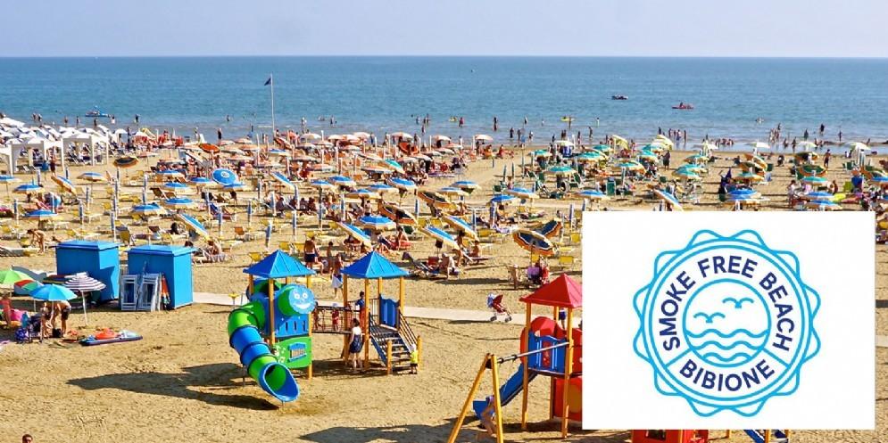Bibione diventa la prima spiaggia in Italia smoke-free