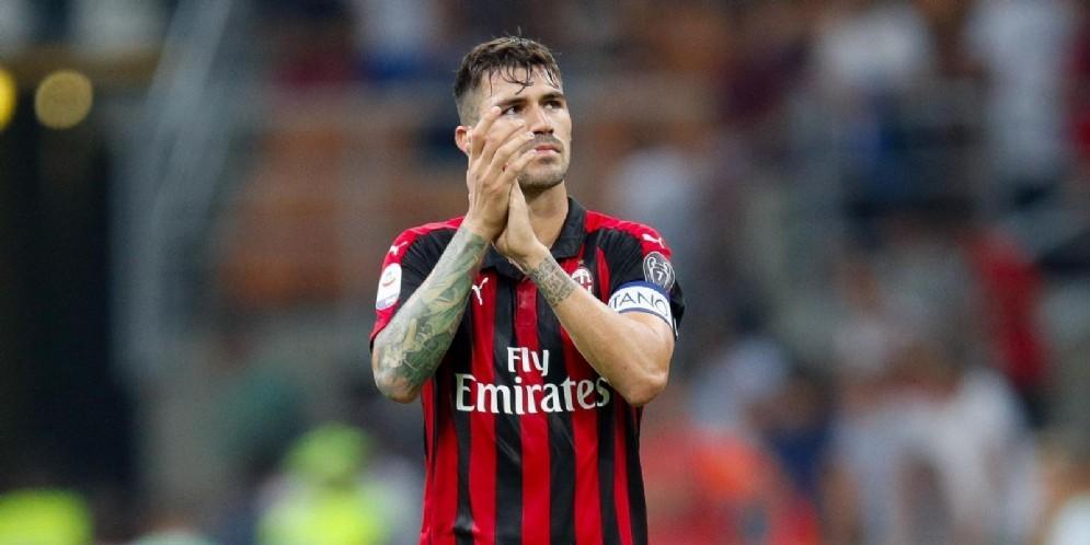 Il capitano rossonero Alessio Romagnoli