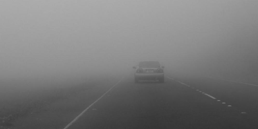 Traffico intenso in autostrada: 6 km di coda per nebbia e incidenti