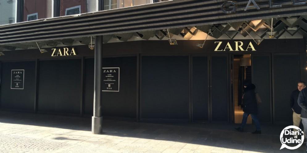 Zara si rifà il look: chiuso per 6 mesi il negozio in galleria Bardelli