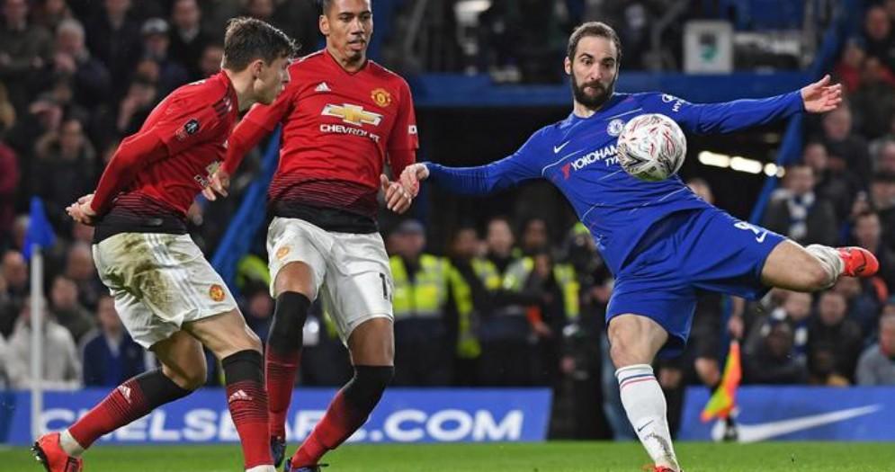 Higuain con la maglia del Chelsea