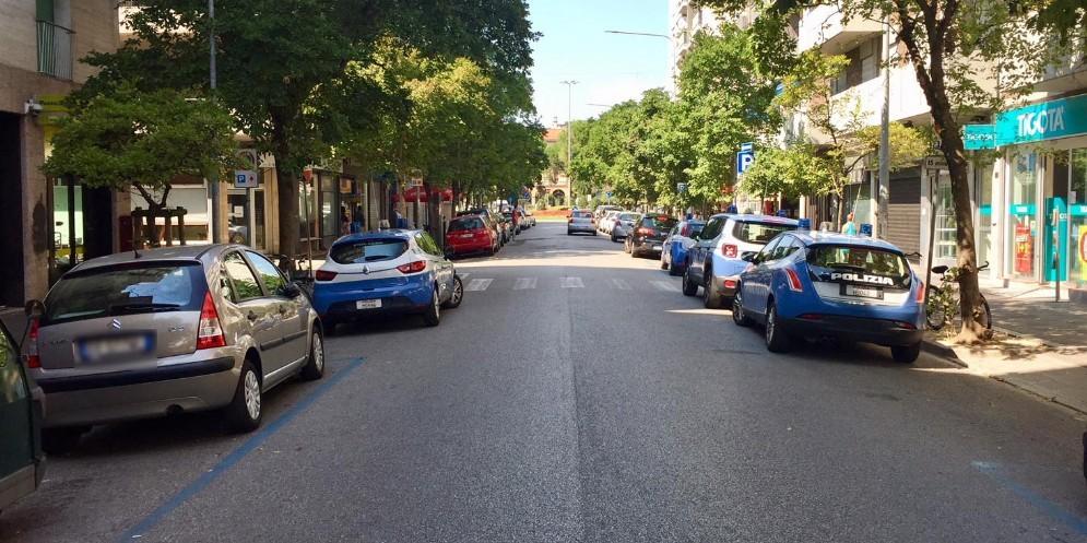 Blitz della Polizia nell'hinterland: arrestato spacciatore 18enne