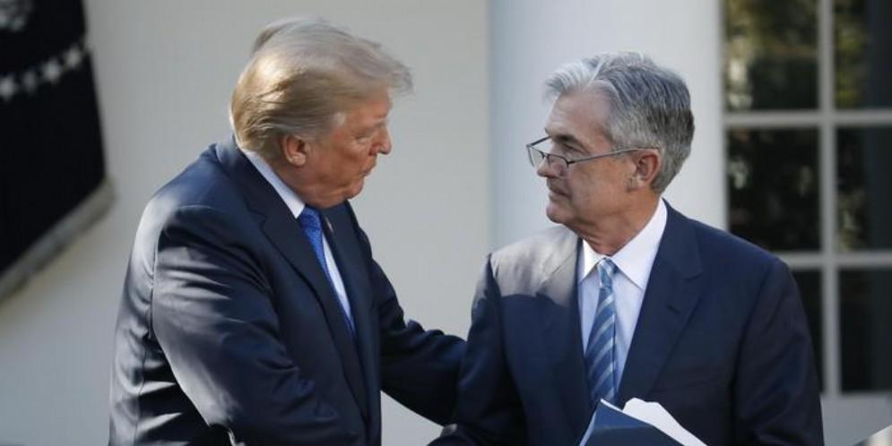 Il Presidente americano, Donald Trump con il Governatore della Fed, Jerome Powell