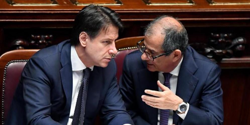 Il Premier Giuseppe Conte con il Ministro delle Finanze, Giovanni Tria
