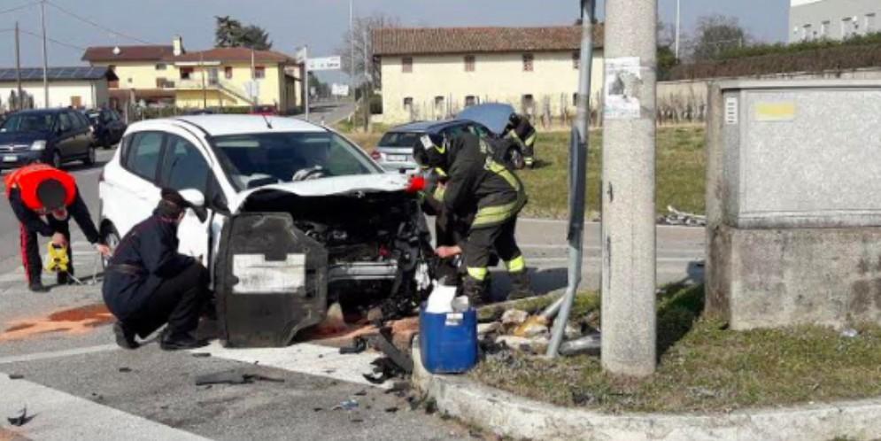 Scontro tra due auto a Cividale: 3 donne finiscono in ospedale