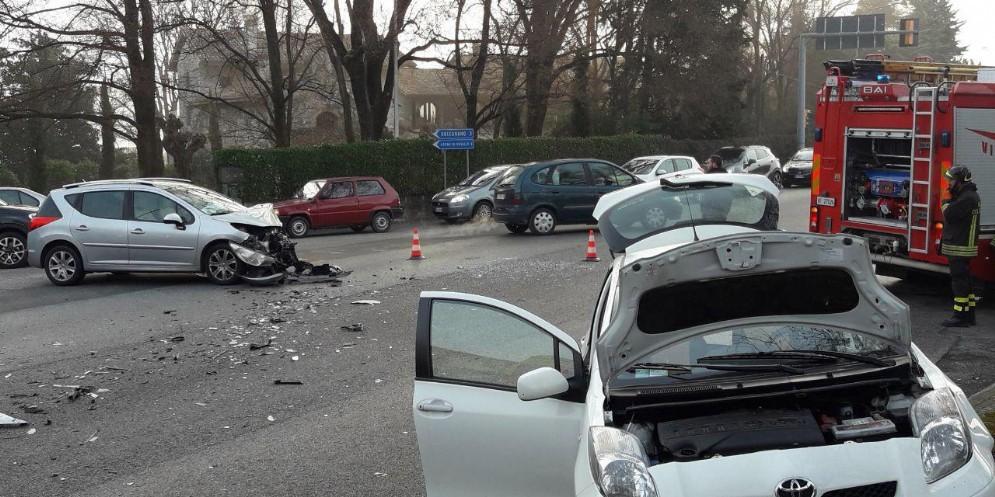 Scontro tra due auto a San Giovanni al Natisone: ferita una donna