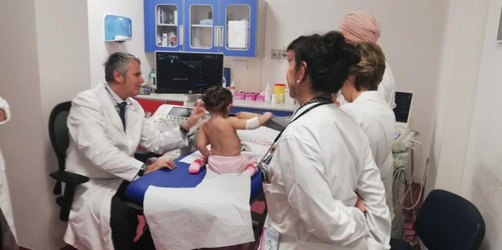 Ecografie nei neonati: Formazione sul campo per i pediatri dell'Asl di Biella