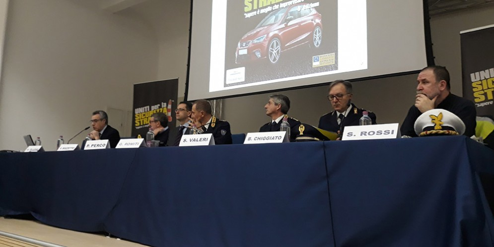 Pordennone,Lo smartphone è la prima causa degli incidenti stradali