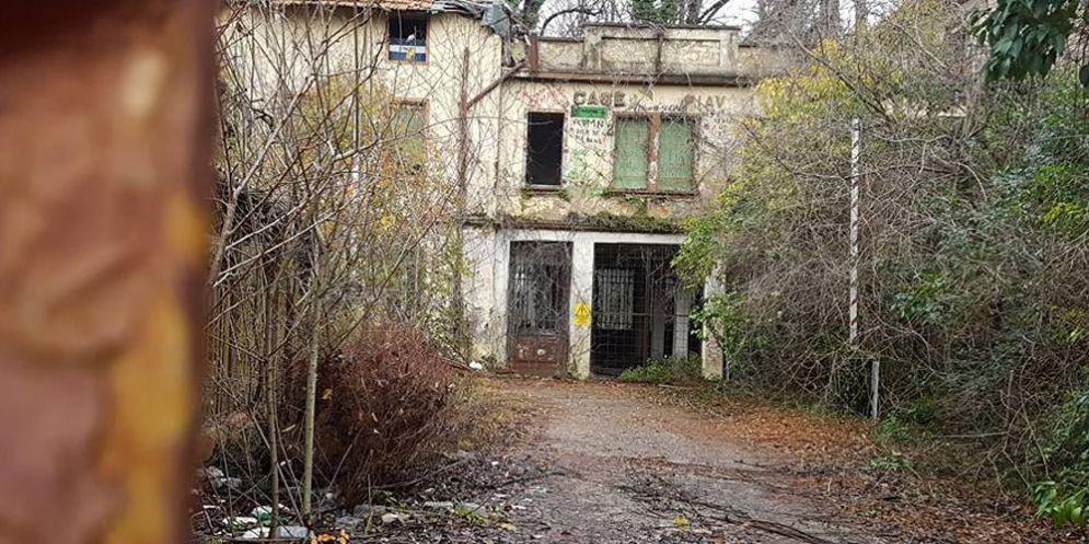 Abusivi nell'ex caserma Piave: si erano attrezzati con cucina e palestra