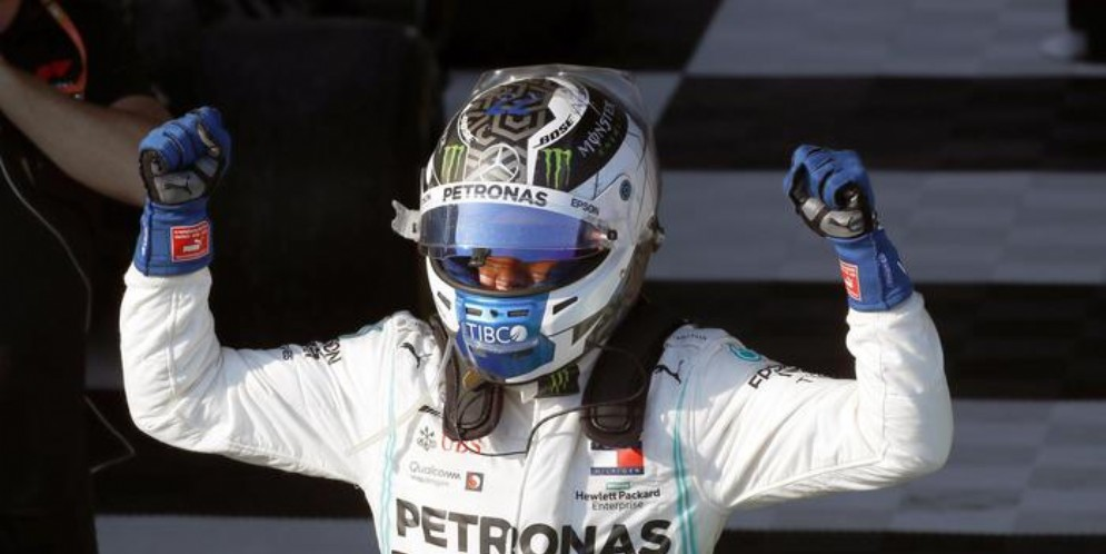 L'esultanza di Bottas vincitore nel primo GP della stagione 2019