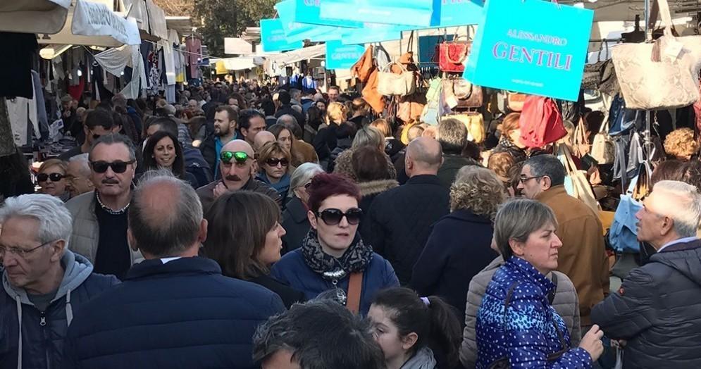 L'evento - mercato «Gli Ambulanti di Forte dei Marmi»