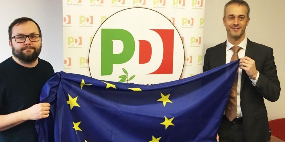 Una bandiera dell'Europa contro sovranisti e populisti
