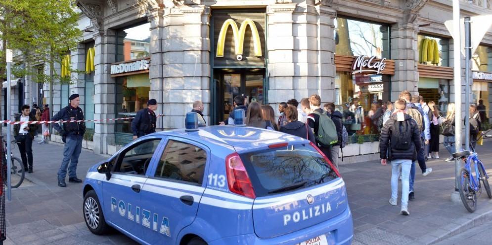 Maxi operazione in Borgo Stazione: chiusi 8 locali, McDonald's compreso