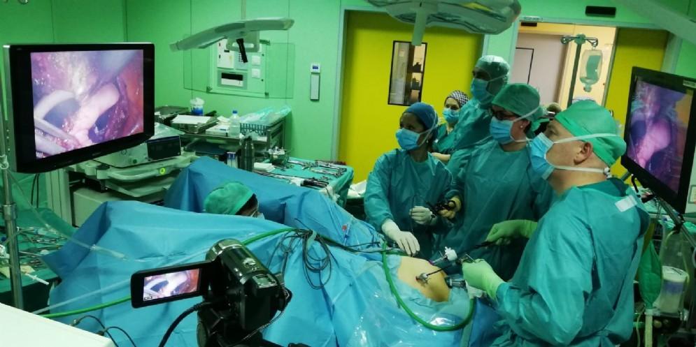 Un intervento in laparoscopia