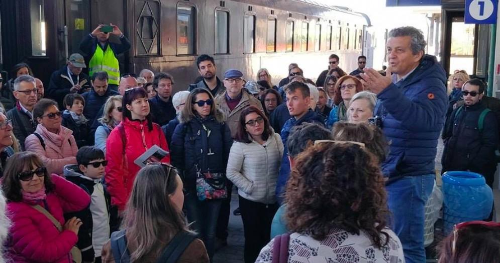 Oltre 150 persone sul treno storico delle città Unesco