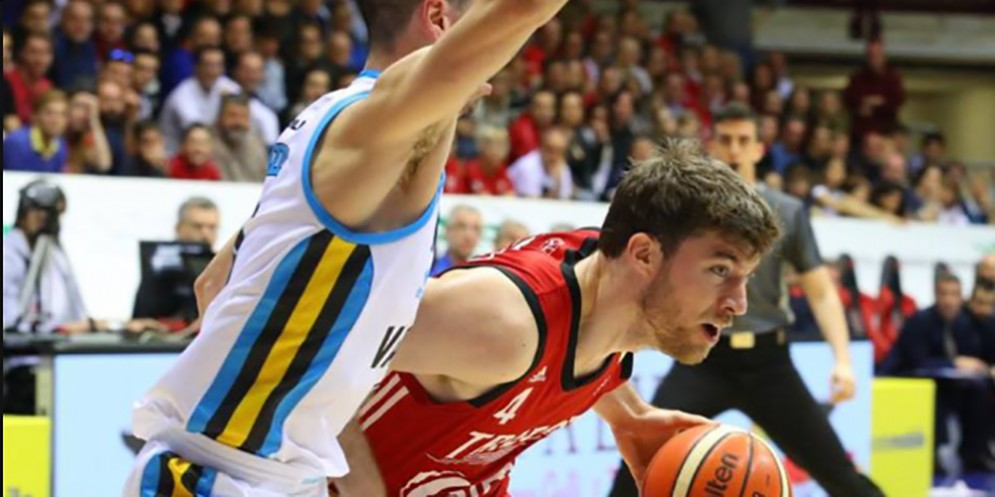 L'Alma travolge la Vanoli Basket Cremona con una splendida prestazione