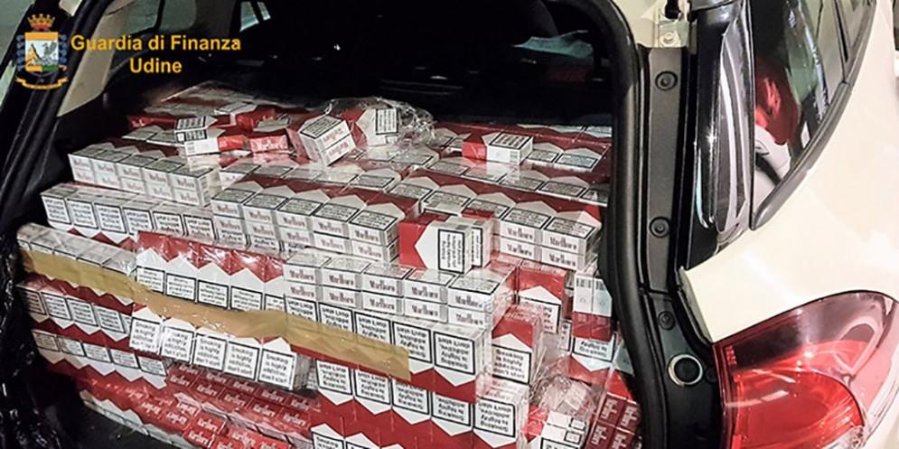 Contrabbando di sigarette: tre arresti e 560 kg di 'bionde' sequestrate