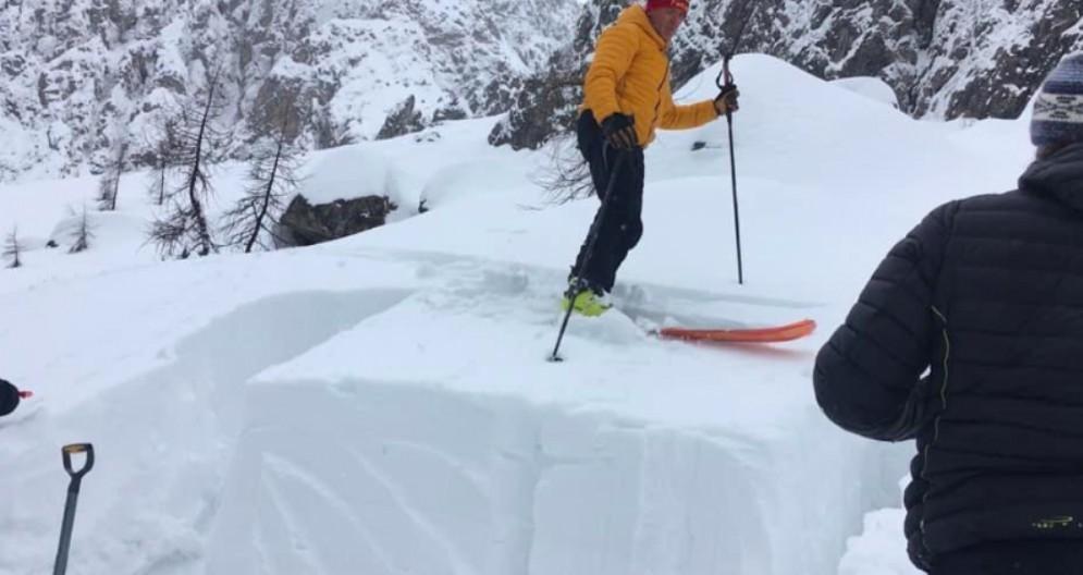 Rischio valanghe: il Soccorso Alpino sconsiglia le escursioni