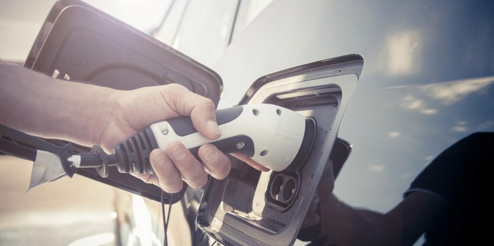 Via libera al cumulo di incentivi statali e regionali per le auto ecologiche