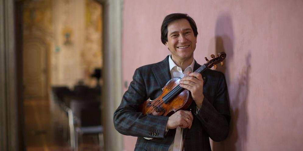Il 18 aprile arriva a teatro il violinista Guido Rimonda