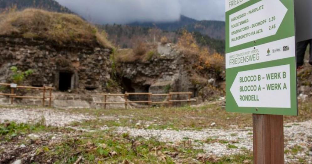 Escrusionista di 51 anni trovata senza vita sotto il forte Hensel