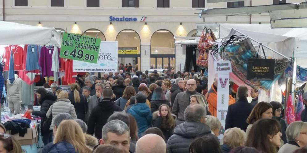 Arrivano a Sacile il 27 aprile 'Gli Ambulanti di Forte dei Marmi'