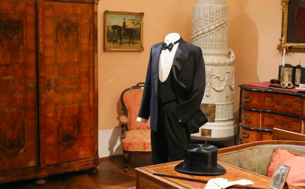 'L'indispensabile superfluo' a palazzo Coronini: gli accessori di moda protagonisti