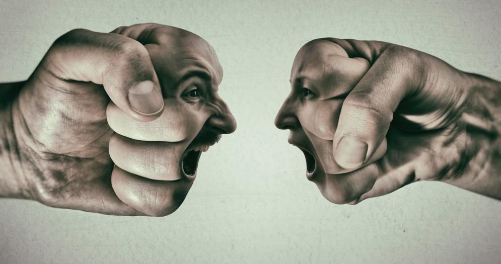 Le persone in tutto il mondo sono sempre più arrabbiate, stressate e preoccupate