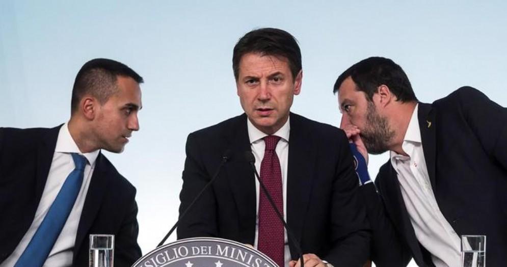 Luigi Di Maio, il Premier Giuseppe Conte e Matteo Salvini