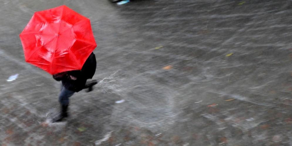 Maltempo, irrompe il vortice freddo: temporali e neve a fino a 1000 metri