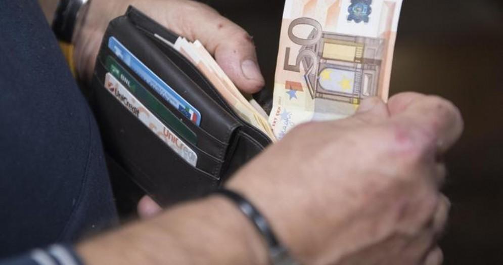 Italia fuori dalla recessione: il Pil cresce dello 0,2% (+0,1% sull'anno)