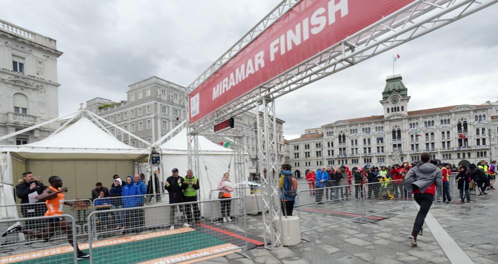 Maratona di Trieste: senza polemiche vince il ruandese Hitimana