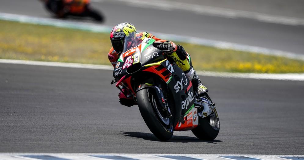 Aleix Espargarò in azione a Jerez