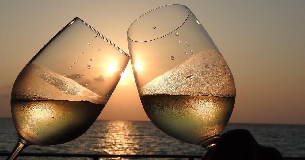 Italiani e vino: consumi in crescita del 2,8% all'insegna di qualità e territorio