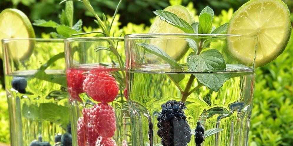 A parità di dieta una corretta idratazione fa perdere 2 kg in più
