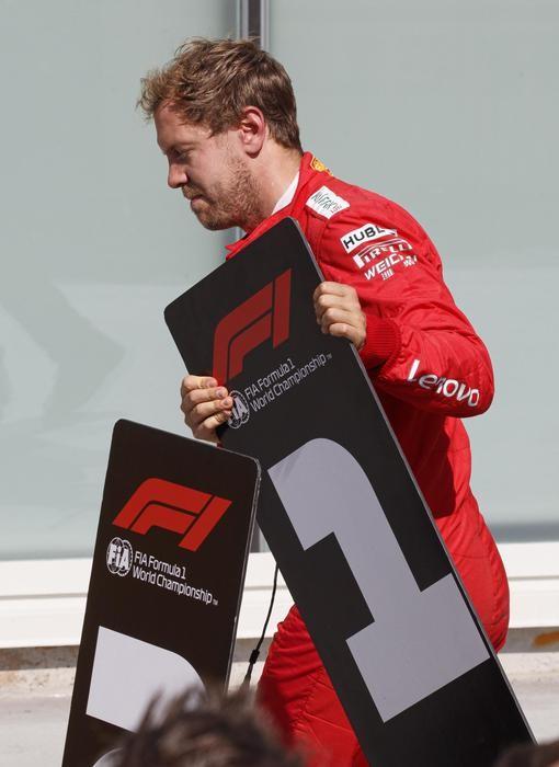 Vettel «scambia» i cartelli con le posizioni del GP del Canada