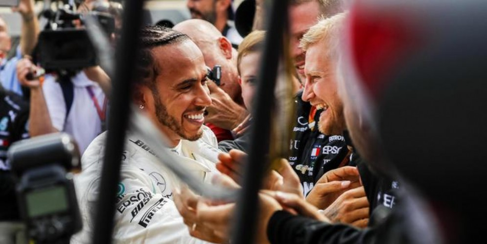 Lewis Hamilton vince anche in Francia